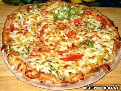 Пицца с тунцом и помидорами