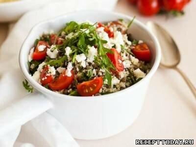 Салат с чечевицей и пшеном