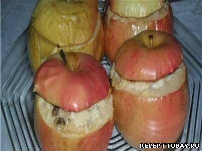 Яблоко с творогом на пару