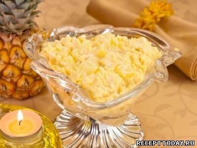 Cалат с ананасами и сыром