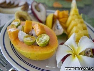 Папайя с фруктами